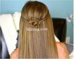 简单编发发型步骤 编出花朵小女人