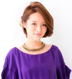 简单盘发发型扎法图解 夏季女孩时尚感爆棚