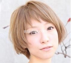 女生短发发型设计图片 亚麻色短发减龄更添气质