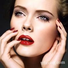 完整眼妆步骤详解 手把手教你假睫毛怎么贴
