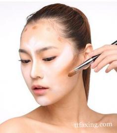 怎样化妆显脸小 塑造精致小V脸