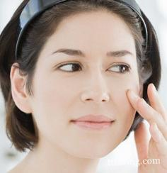 分享化淡妆的正规程序 打造完美气质妆容