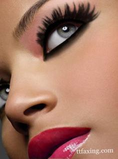 怎么化底妆 简单几步为你增添气色