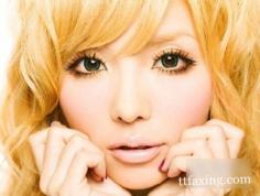 贴假睫毛的步骤教程 打造甜美日系眼妆