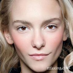 圆脸眉形画法 脸型与眉形的完美搭配