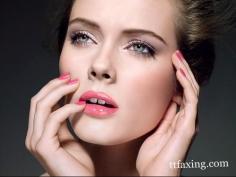 分享唇蜜和唇彩的区别 打造夏日清秀唇妆