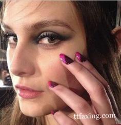 黑白指甲油diy美甲 绚丽多姿的指尖艺术