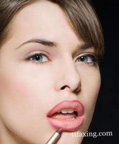 彩妆达人教你唇线笔怎么用 帮你轻松塑造完美唇形