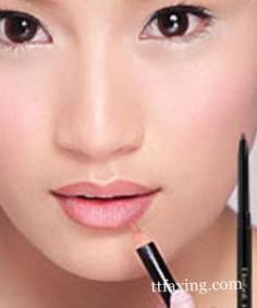 唇线笔的用法技巧 轻松打造持久完美唇妆