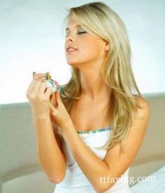 香水能瘦身  推荐只闻香水让你瘦到尖叫的方法