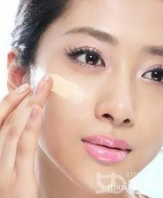 改变化妆的方法 让你的底妆效果翻倍