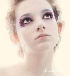 掌握8个假睫毛的贴法技巧 打造诱惑性的动人眼妆
