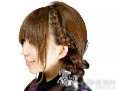 简单韩式编发图解 打造最甜美发型
