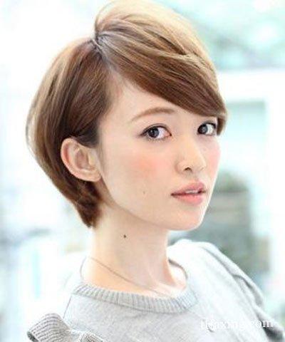 女人短发最新发型设计图片 让你在这个夏季展现迷人V脸