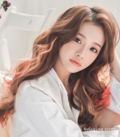 最新韩式卷发发型图片大全 柔顺发丝勾出迷人弧度