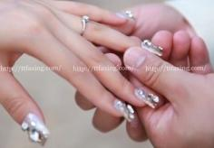 指尖的柔情 法式新娘美甲图片推荐