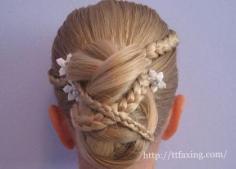 三款新娘编辫子发型扎发图解 百变盘发让你更典雅