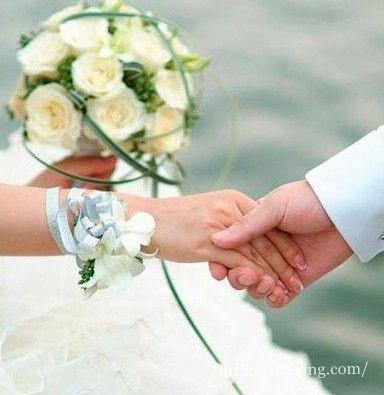 婚礼时适合唱什么歌_适合结婚时新郎唱的歌适合新郎独唱宋承宪称