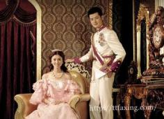 不一样的王室贵气 宫廷装婚纱照欣赏