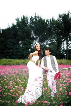 外景花海婚纱照在那里拍好 国内十大花海圣地盘点