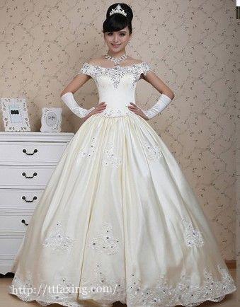 冬季婚纱怎么穿_冬天结婚新娘穿什么冬季婚纱礼服选购技巧第