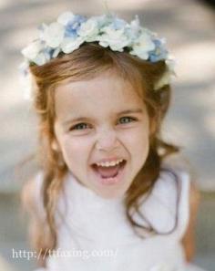 可爱伴娘发型推荐 让你的伴娘花童如天使般美丽