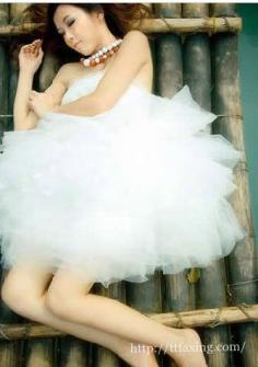 婚纱照怎么拍出来显瘦 赘肉藏起来拍出完美婚纱照