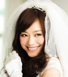 如何打造完美新娘妆容 时尚新娘妆容让你美丽暂放