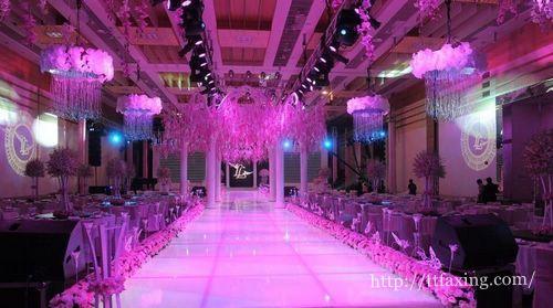 如何让婚礼现场更加浪漫酷炫-郑州微信大屏幕