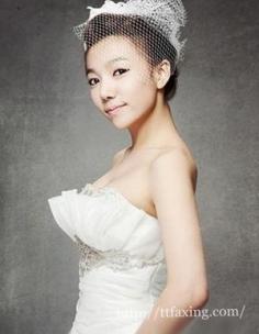 欣赏韩式新娘妆盘发造型 打造出韩式高贵优雅的新娘