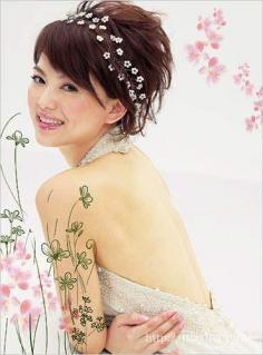 李湘为你示范四款圆脸伴娘发型 各有各自的风范