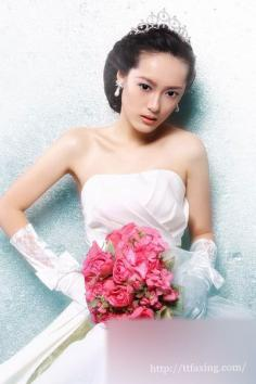 两款韩式新娘发型教程 打造韩式的浪漫新娘