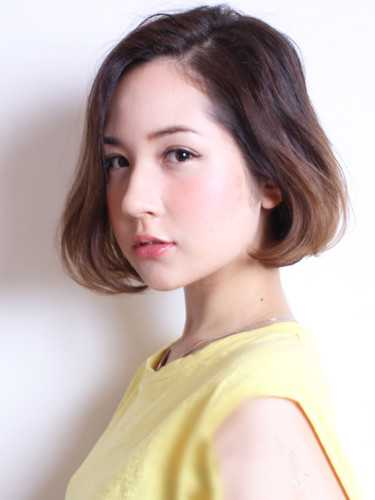 2015夏季最新荷叶头发型,时尚瘦脸都兼得