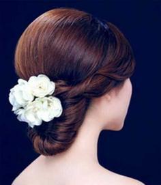 低发鬓优雅甜美韩式新娘盘发图解