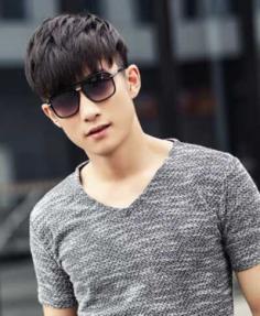 2015男士发型流行趋势,有刘海发型更显年轻