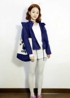 女生韩式时尚玉米烫短发发型