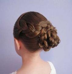 小女孩发型绑扎方法图解