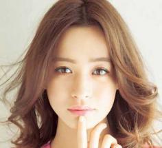 小脸女生最适合什么发型 推荐梨花头最完美