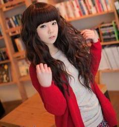 齐刘海女生发型 打造可爱甜美感