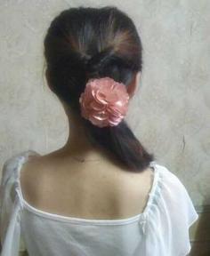 简单淑女的中长发发型扎法