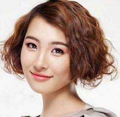 最新韩式荷叶头短发卷发