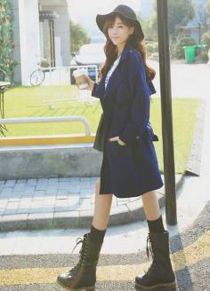 2015年韩式气质俏丽长卷发发型