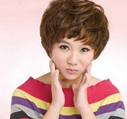 女生短发纹理烫发型图片 第2页_流行发型 - 天图片