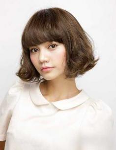 最新女生齐刘海卷发发型,减龄修颜两不误