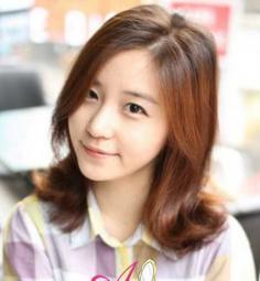 最新流行韩式中长发烫发图片