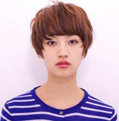 方脸减龄时尚短发发型