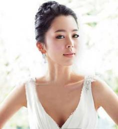韩式气质丸子头发型