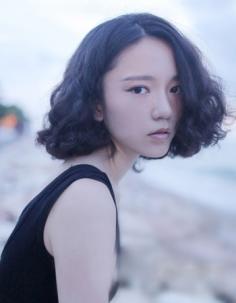 短发弄什么发型好看?韩式短卷发最IN显气质