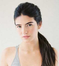 【图解】慵懒简单的发型扎法步骤