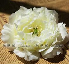 最简单的韩式甜美花朵盘发发型
